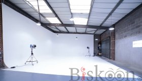 infinity-cove-film-studio-hire-london_grid.jpg