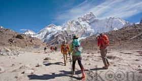 everest_base_camp_trekking_grid.jpg