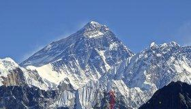 Mt._Everest_from_Gokyo_Ri_November_5_2012_grid.jpg